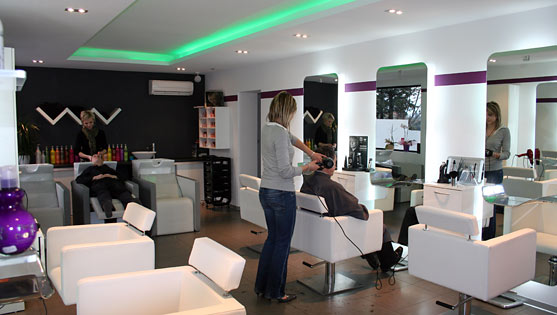 best salon moderne coiffure contemporary awesome interior home satellite. Black Bedroom Furniture Sets. Home Design Ideas